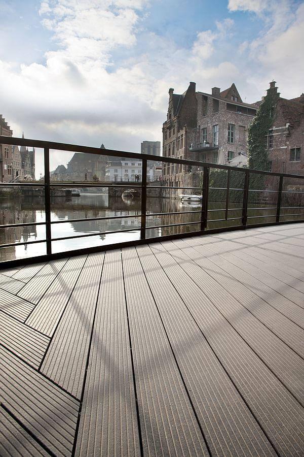 upm-profi-deck-ambiente-bild-haus-in-belgien