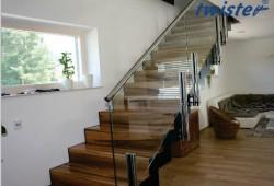 glasbefestigung-twister-treppe